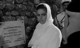 A ghostly Sandra presages her brother's death