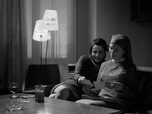 Ida/Anna (Agata Trzebuchowska) and Wanda (Agata Kulesza) in IDA.  Courtesy of Music Box Films.