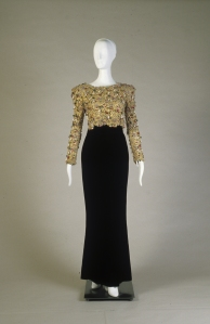 Evening dress with bolero. Oscar de la Renta: A Retrospective. Image courtesy of the Fine Arts Museum of San Francisco (FAMSF)
